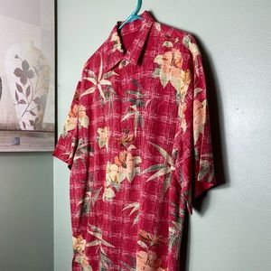 NWOT TOMMY BAHAMA CASUAL BUTTON DOWN